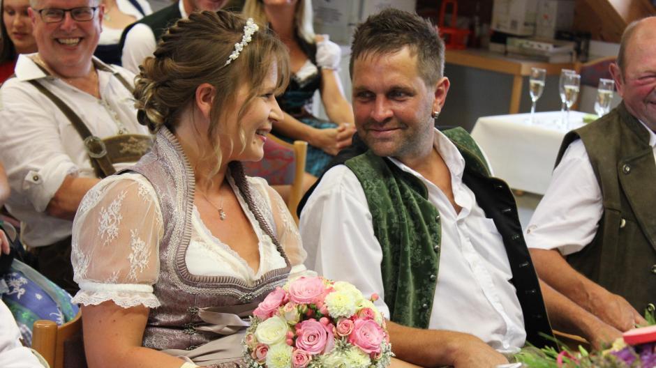 Sielenbach Bauer Sucht Frau So Feiern Steffi Und Stephan Den Ersten Hochzeitstag Aichacher Nachrichten