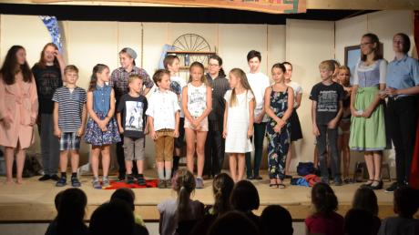 Die Junge Dorfbühne Laimering ist mit ihrer Premiere erfolgreich in die Spielsaison 2019 gestartet.