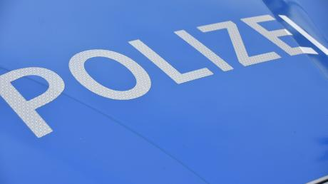 Nachdem ein Unbekannter zwei Autos in Schrobenhausen verkratzt hat, bittet diePolizei mögliche Zeugen um Hinweise.