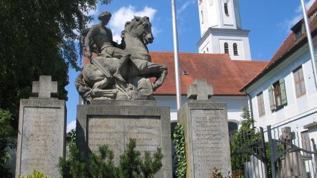Das Kriegerdenkmal in Todtenweis muss renoviert werden.
