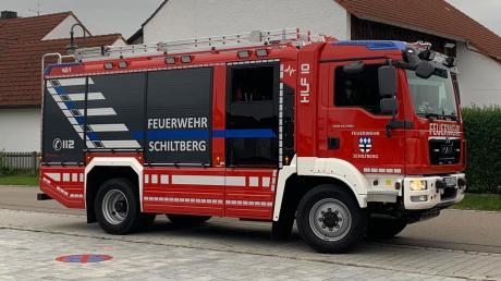 Und so sieht es bei Tageslicht aus: das neue Hilfeleistungs-Löschgruppenfahrzeug (HLF 10) der Schiltberger Feuerwehr.