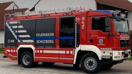 Das neue Fahrzeug der Schiltberger Feuerwehr, ein Hilfeleistungslöschgruppenfahrzeug (HLF) 10, erhält am 6. Oktober den kirchlichen Segen.