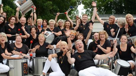 Stimmung und Ausgelassenheit verbreitet die Samba-Percussiongruppe Tam-kobá bei ihren Auftritten wie hier beim Fête de la Musique in Friedberg in diesem Sommer.