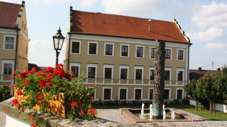 Die Grünen wollen in den Inchenhofener Gemeinderat, hier das Rathaus. (Archivfoto)