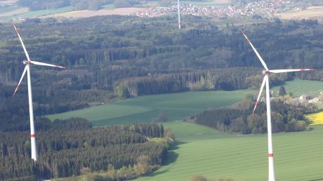Die Versorgung der Gemeinde Sielenbach ist durch einen Mix aus Fotovoltaikanlagen, Windrädern, Biogasanlagen und inzwischen auch Wärmenetzen lückenlos gewährleistet. (Symbolfoto)