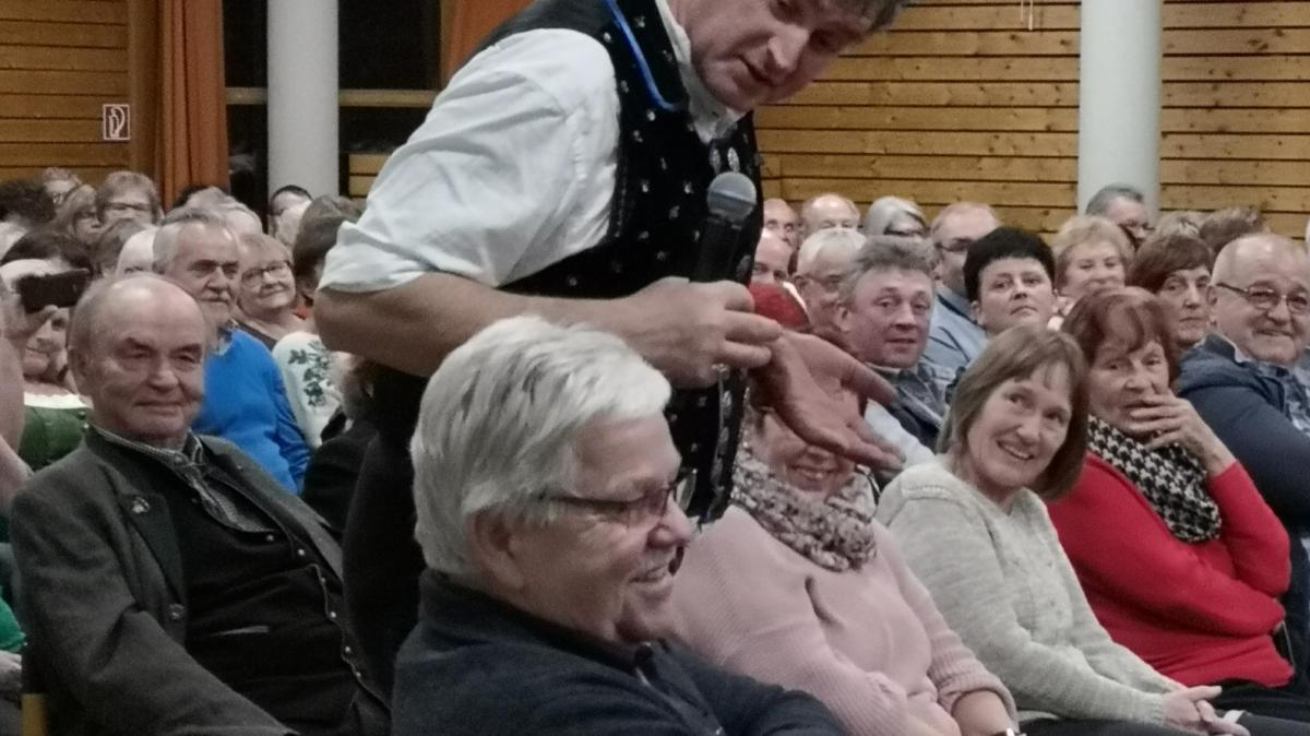 """""""Boarisch glacht"""" im Pfarrzentrum - Augsburger Allgemeine"""