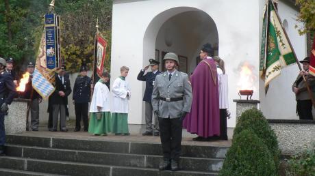 So wie überall in Deutschland gedachte man am Volkstrauertag auch in Obergriesbach der Toten beider Weltkriege und der Opfer von Gewaltherrschaft aller Nationen. Doch das Kriegerdenkmal muss dringend saniert werden