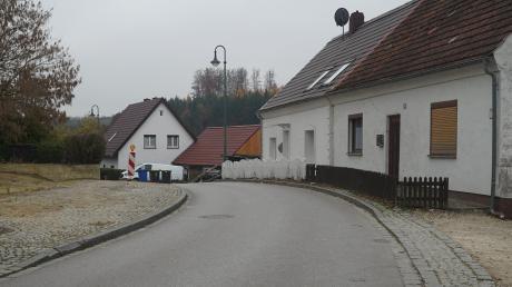 Die berüchtigte Engstelle am Ortseingang von Griesbeckerzell wird beseitigt. Doch während der Arbeiten wird die Straße komplett gesperrt.