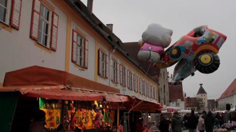 In Pöttmes fand der Nikolausmarkt statt.