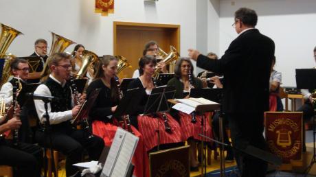 Das Orchester des Musikvereins Obergriesbach mit Dirigent Joseph Rast sorgte für musikalische Höhepunkte.