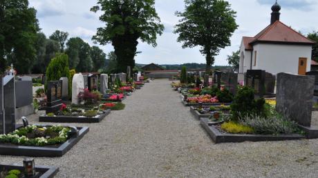 Um die Kosten zu decken, erhöht die Gemeinde Obergriesbach die Friedhofsgebühren.