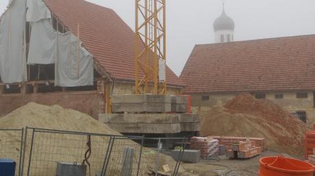 Wohnungen statt Gewerbe sollen in das Erdgeschoss im Nordstadel des Dreiseithofes in Heretshausen kommen. Der Gemeinderat wird darüber in seiner nächsten Sitzung im Januar beraten.
