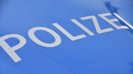 Die Polizei hielt eine Frau an. Sie stand unter Drogen.