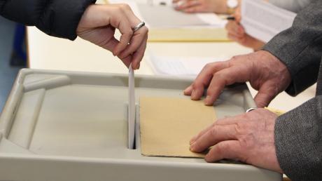 Wie Sie bei der Kommunalwahl 2020 in Bayern Ihr Wahllokal finden oder wechseln können, erfahren Sie in diesem Artikel.