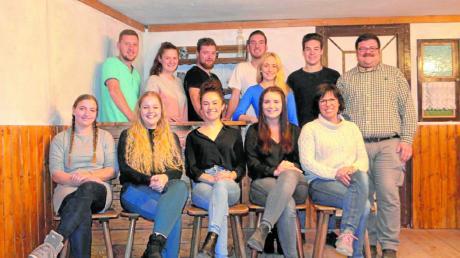 Seit Wochen wird in Gebenhofen unter der Regie von Gabi Escher und Matthias Steinherr für das aktuelle Theaterstück des Katholischen Burschenvereins Gebenhofen-Anwalting geprobt.