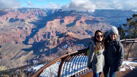 Karina Meitinger lebte ein Jahr in den Vereinigten Staaten. Die erste Hälfte ihres Austauschjahres hat sie an der St. Cloud State University im Bundesstaat Minnesota studiert. Minnesota liegt im Norden der USA und grenzt an Kanada. Hier ist sie vor dem Grand Canyon im Dezember 2018 zu sehen.