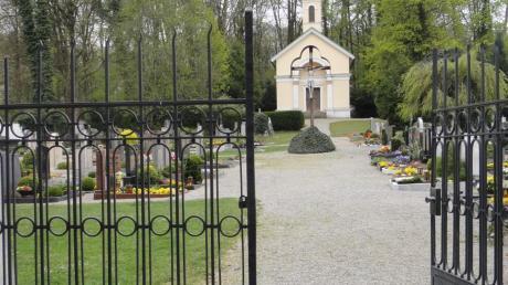So sah der Affinger Friedhof vor der Sanierung aus. Damals entschied sich der Gemeinderat noch gegen Urnengräber. Inzwischen ist das anders. Im nächsten Jahr sollen Urnengräber angelegt werden.