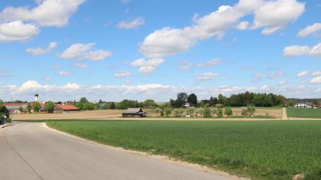 Das Baugebiet erstrecht sich bis zu einem parallelen Feldweg beim Stadel, der an der bestehenden Hambergstraße endet. Die Streuobstwiese bleibt bestehen.