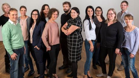 Die ÖDP Inchenhofen tritt bei der bevorstehenden Kommunalwahl mit 17 Kandidaten auf ihrer Liste an. Maria Posch (Sechste von links) kandidiert außerdem als Bürgermeisterin.