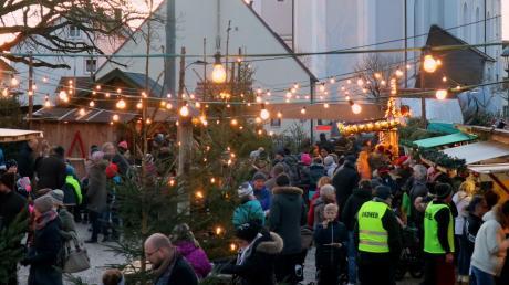 Wurde von unseren Lesern online zum schönsten Adventsmarkt der Region gewählt: der Affinger Weihnachtsmarkt am Schlossplatz.