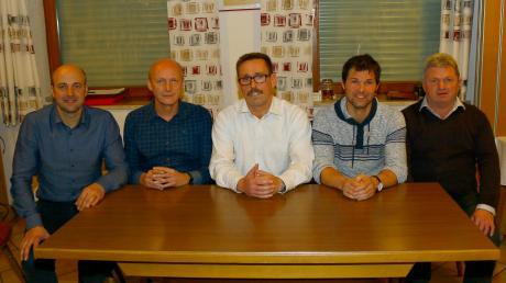 Komplett neu formiert hat sich der Vorstand des BC Adelzhausen: (von links) Beisitzer Johannes Treffer, stellvertretender Vorsitzender Martin Dumbs, Vorsitzender Armin Seidel, stellvertretender Vorsitzender Peter Gerrer und Beisitzer Herbert Braun.