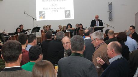 Am Freitagabend hatte Bürgermeister Franz Schindele zum traditionellen Neujahrsempfang in den Pöttmeser Kultursaal geladen. Es war Schindeles letzte, große Veranstaltung als Rathauschef. Sein Dank all jenen, die ihn in seiner zwölfjährigen Tätigkeit begleitet und tatkräftig unterstützt hatten.