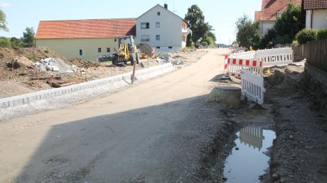 2016 wurde die Ortsdurchfahrt in Wiesenbach ausgebaut. Für die Kosten des neuen Gehwegs wurden auch die Anwohner herangezogen.