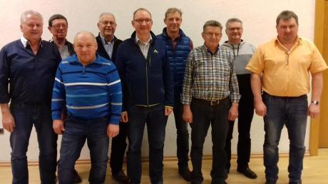 Das ist der neue Vorstand des Krieger- und Soldatenvereins Stotzard mit (von links) Martin Lechner, Richard Lichtenstern, Paul Neumair, Franz Balleis, Vorsitzender Michael Hahn, Armin Anzenhofer, Joachim Brandmeir, Josef Erhard und Michael Neumair.