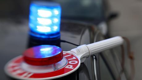 Polizisten kontrollierten am Samstagnachmittag einen Sattelzug auf der A7 bei Altenstadt.