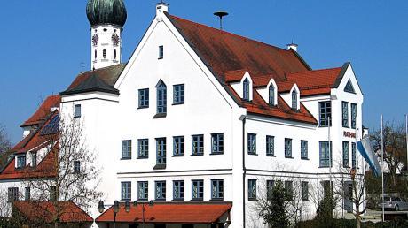 Wer regiert ab 1. Mai im Rehlinger Rathaus? Neben Christoph Aidelsburger bewerben sich nun auch Alexander Richter und Asmus Winter um das Bürgermeisteramt.