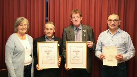 Für langjährige Mitgliedschaft wurden einige Mitglieder geehrt: (von rechts) Franz Jakob, Richard Rentke und Günter Ferner, (links) die Vorsitzende der Chorgemeinschaft, Hilde Thon.