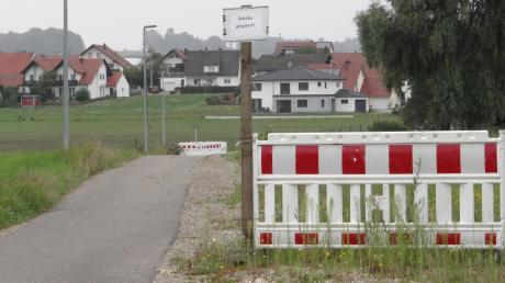 Seit fast zwei Jahren ist die Verbindung von Gebenhofen Richtung DJK-Sportanlage wegen der baufälligen Brücke gesperrt.