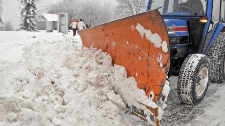 500 Euro sollten den Fahrern der Schneeräumfahrzeuge von Obergriesbach zugute kommen. So einfach geht das allerdings nicht. Den Gemeinderat stellt die Überweisung vor Probleme.