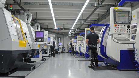 Die Werkzeugschleiferei der Firma Haimer - hier auf einem Archivfoto von 2017. Das Coronavirus in China hat auch Auswirkungen auf die Unternehmensabläufe am Firmensitz in Igenhausen.