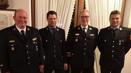 Die Feuerwehr Sielenbach zog Bilanz: (von links) Kreisbrandrat Christian Happach, Kommandant Bernhard Bichler, Kreisbrandmeister Wolfgang Hittinger und Vorsitzender Michael Trinkl.