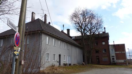 Seit Längerem war klar, dass der Standort des alten Funkmasts in Obergriesbach, der den Bürgern im Ort Handyempfang verschafft, aufgegeben werden muss. Doch um den neuen Standort gibt es Streit.