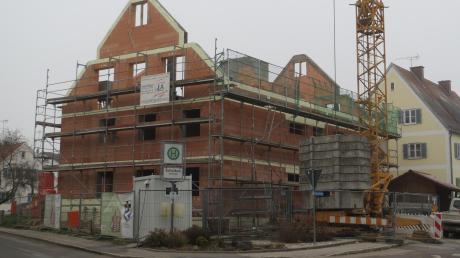 Das Sozialwohnhaus ist eines der Projekte, in das die Gemeinde Sielenbach investiert.