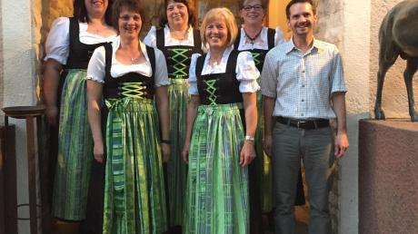 Die aktuelle Vorstandschaft: (von links) Sylvia Märdauer, Brigitte Reißner, Rita Posch, Erna Thurnhofer, Jutta Märdauer, Ludolf Karletshofer.