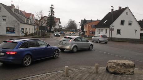 Ab Montag beginnen in Pöttmes wieder die Bauarbeiten an der Schrobenhausener Straße, der Ortsdurchfahrt der Staatsstraße 2045. Jetzt kommt der Bereich der Kreuzung mit der Von-Gumppenberg-Straße dran.