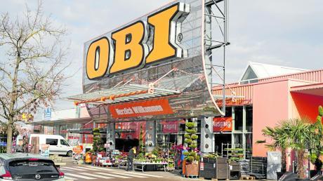 Bau- und Gartenmärkte, hier der Obi-Markt im Ecknacher Gewerbe- und Industriegebiet, müssen seit heute ebenfalls geschlossen bleiben.