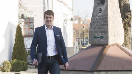 Karl-Heinz Kerscher, Kandidat der OGK, hier auf unserem Archivbild am Marktplatz der Gemeinde Kühbach.