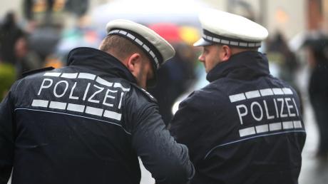 Die Ulmer Polizei will vermehrt Plätze kontrollieren, wo sich meist viele Menschen treffen.