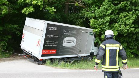 Ein Unfall mit einem Kleinlaster ereignete sich am Dienstag.