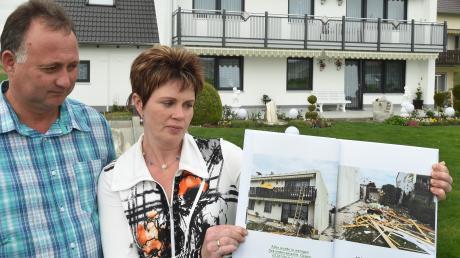Barbara und Michael Schlecht hatten fast das ganze Haus verloren. Inzwischen ist es renoviert.