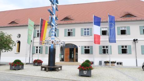 Im Pöttmeser Rathaus wird ab April ein neuer Geschäftsstellenleiter tätig sein. Er tritt die Nachfolge von Stefan Hummel an.
