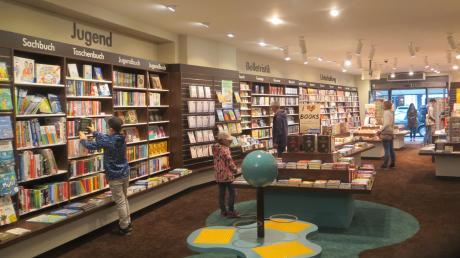Schon kurz nach Öffnung kamen am verkaufsoffenen Sonntag die ersten Kunden in die Buchhandlung Rupprecht in Aichach.