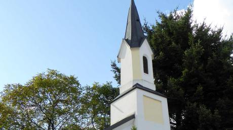 Die Kapelle Mariä Geburt in Oberhaslach mit dem leicht vorgesetzten Turm wurde 1926 erneuert.
