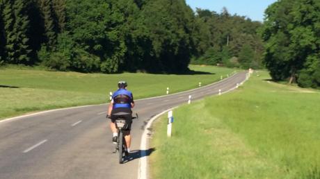 Derzeit müssen Radfahrer rund um Pöttmes noch an einigen Orten auf der Straße fahren. Das soll sich in absehbarer Zeit ändern.