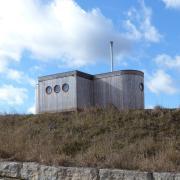 Im Baarer Baugebiet Zeintl steht bereits ein Tiny House. Zunächst lehnte der Gemeinderat das Vorhaben ab. Doch nun darf das Mini-Haus fünf Jahre dort bleiben.