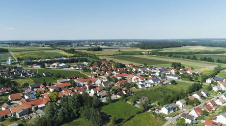 Über Hollenbach gibt es einen Imagefilm. Ein Großteil der Aufnahmen wurde mit einer Drohnenkamera gemacht.